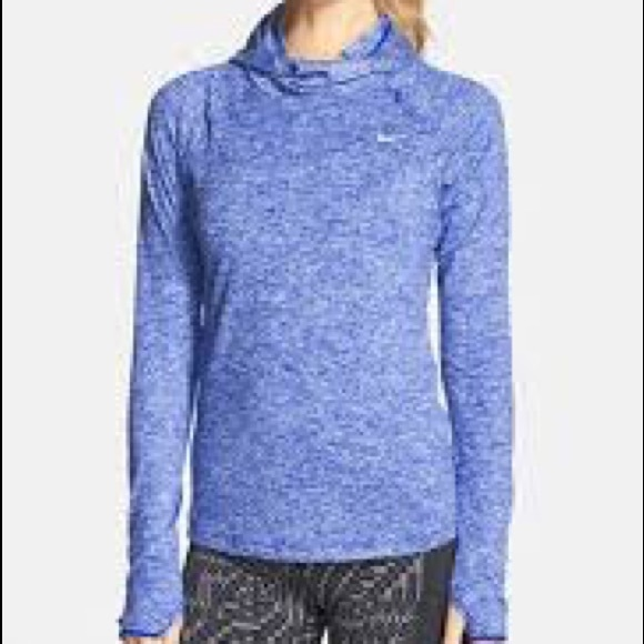 a32507b4a602 Nike Element Women s Running Hoodie. M 5b341700aa8770fd676b4015
